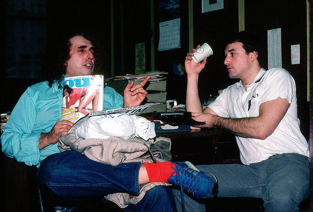 Josh Alan Friedman with Tiny Tim in the offices of Oui magazine, Aug. 1984 (photo by Jeff Goodman)